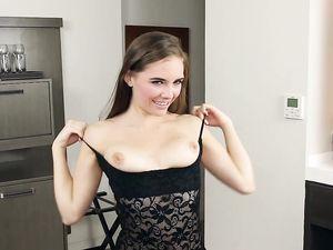 Irresistible Teen Girl Gets A Nice Big Creampie
