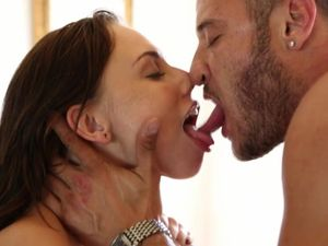 Pornstar Threesome Shows The Talent Of The Hot Sluts