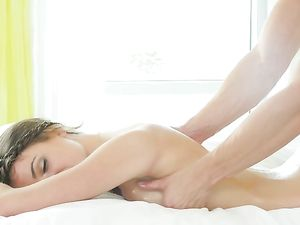 Princess Gets A Massage With A Throbbing Boner
